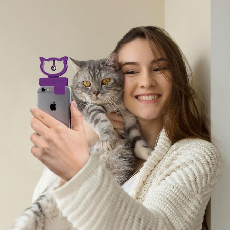 Cat Selfie Device 1